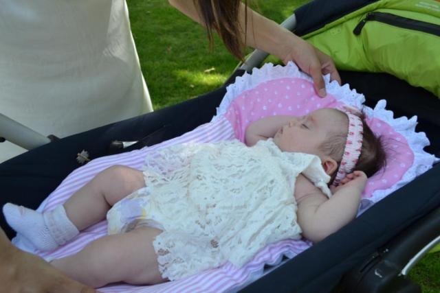 Когда гулять с новорожденным после роддома: время развенчивать мифы!