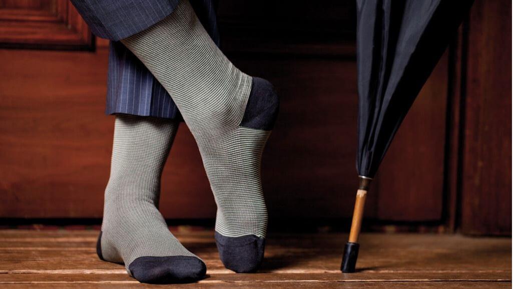 картинки про мужские носки надетые больше