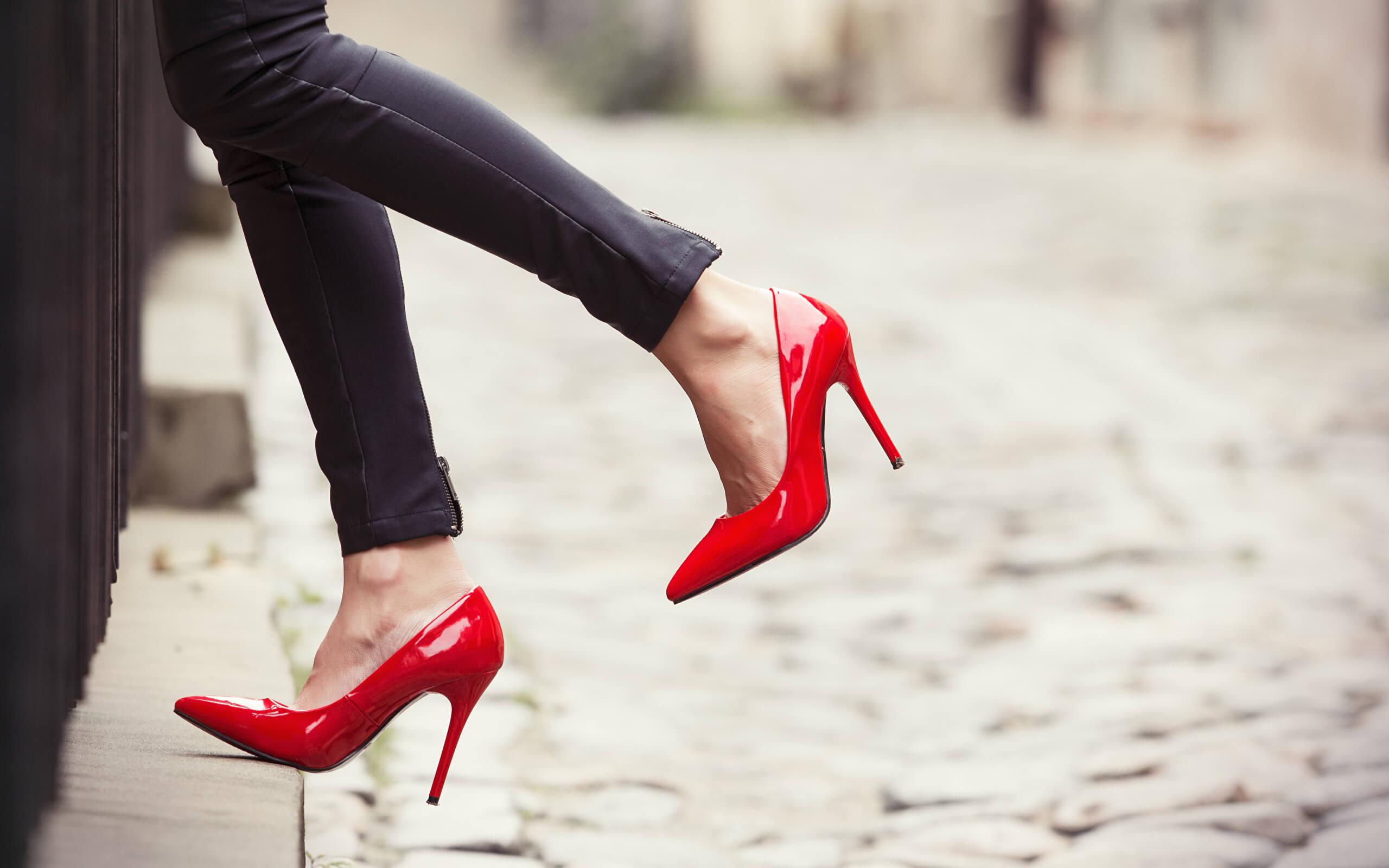 левой картинки ноги на высоком каблуке зависим продолжительности