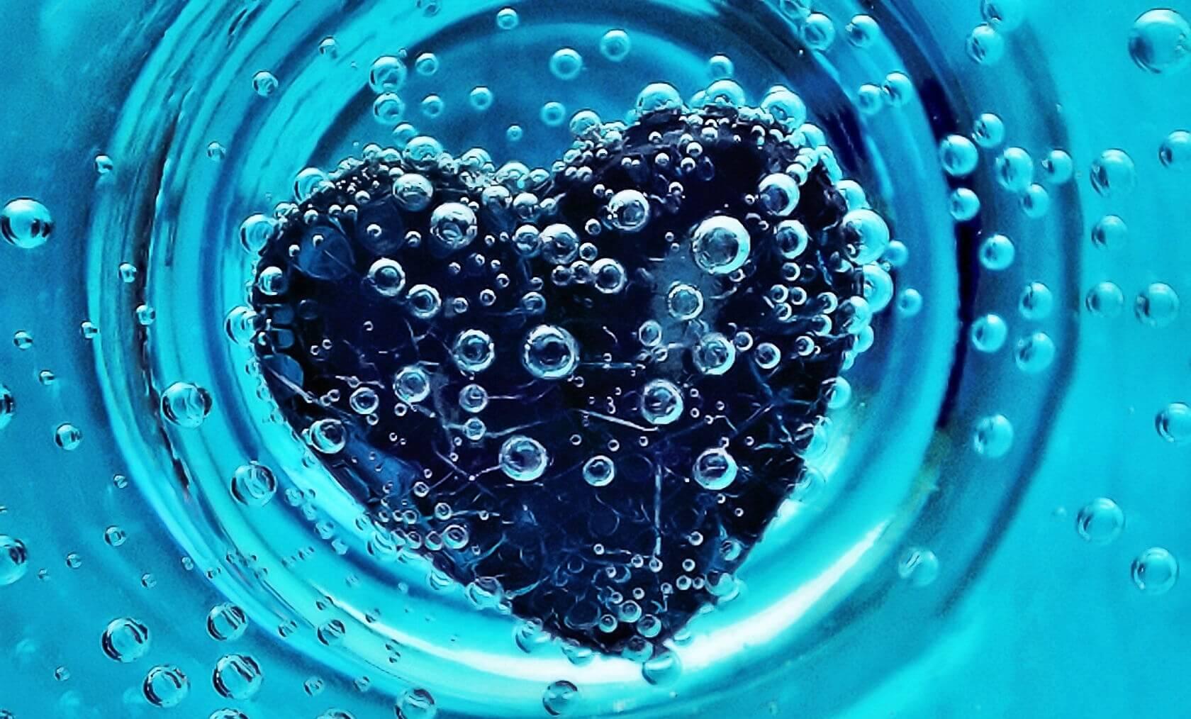 Заговор на воду на любовь мужчины
