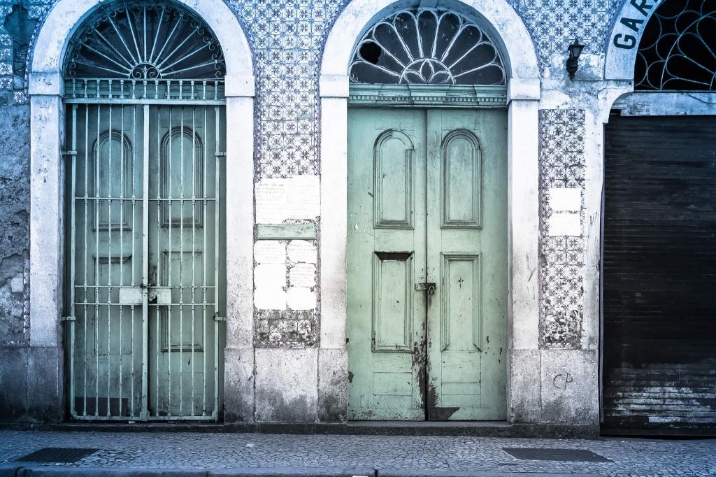 К чему снятся двери.jpg