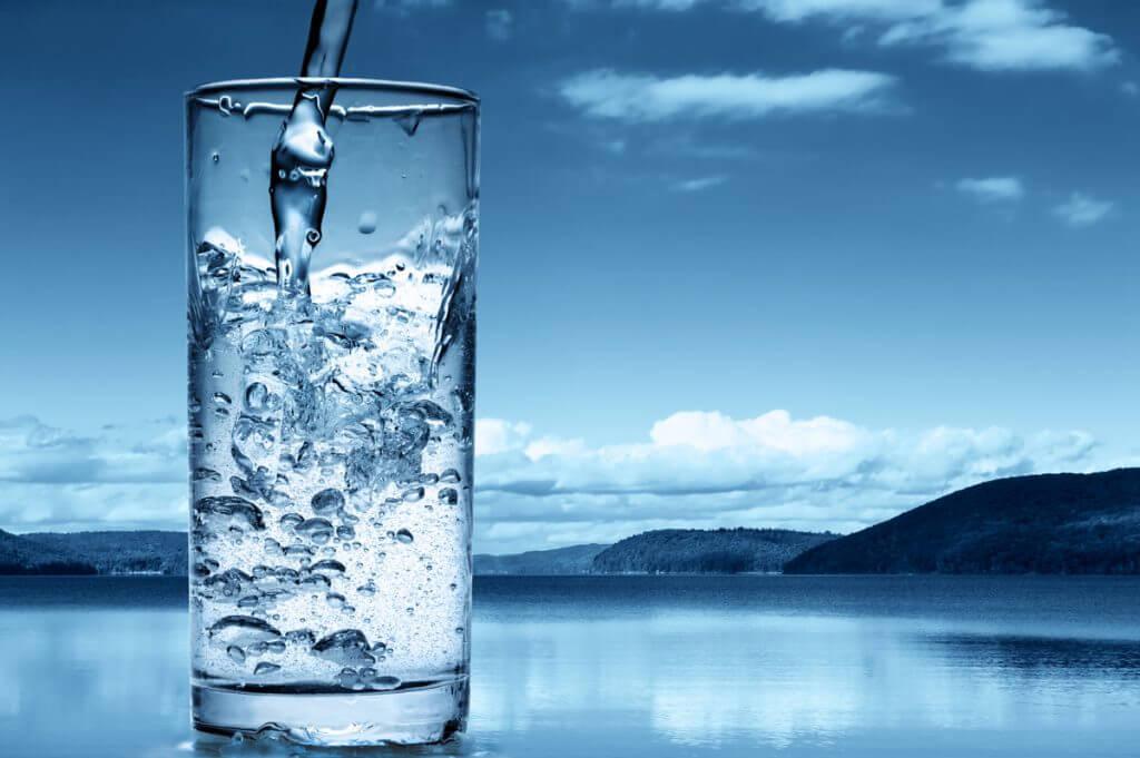 Вода в стакане.jpg