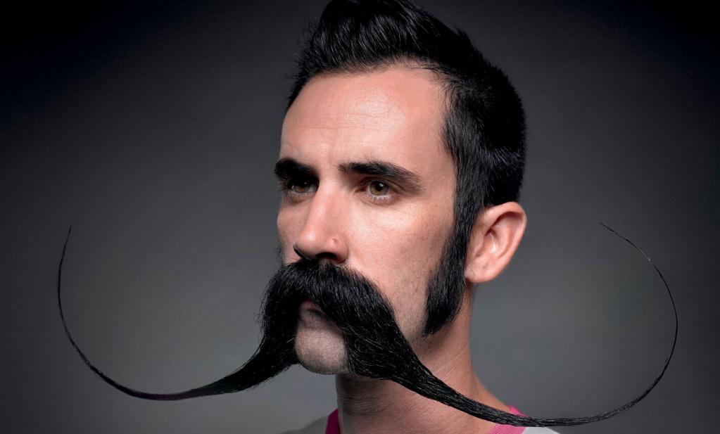 фото усатых мужчин часто предлагают